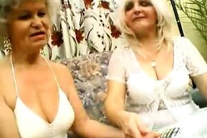 hawt mature women in lingeries