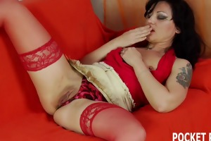 mature dark brown d like to fuck receives licked