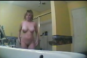 spying my breasty auntie in the bath