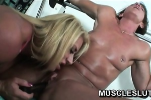 muscle whore has big o in the gym