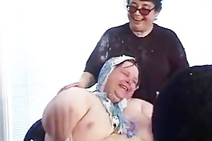 momma arranges a sex with a midget on her sons