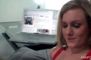 blondie getting cunt licked