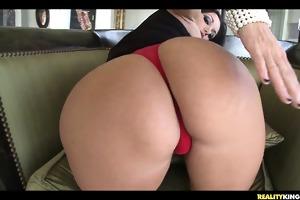 avva showing off her massive tits.